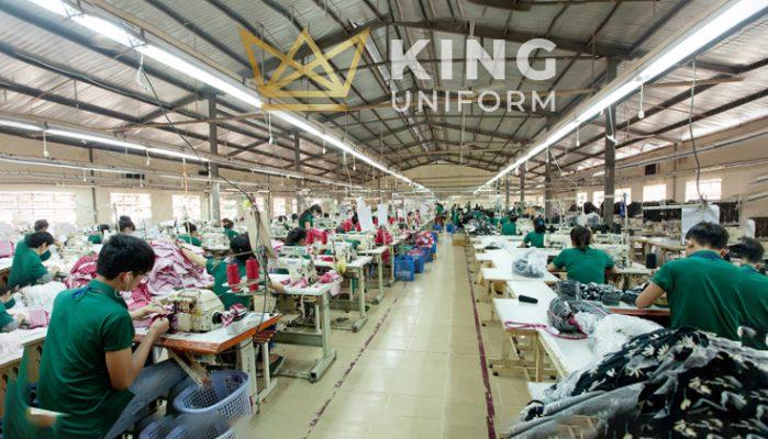 Xưởng may áo khoác gió giá rẻ Kinguniform